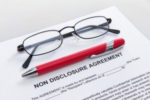 Using-Confidentiality-Agreements-to-Protect-Employer-Information-Article-101-300x200